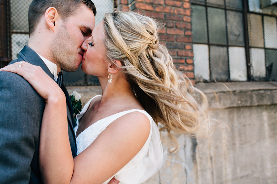 Downtown Pittsburgh wedding photos